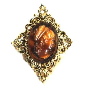 Vintage Gerry's Brown Glass Cameo Brooch